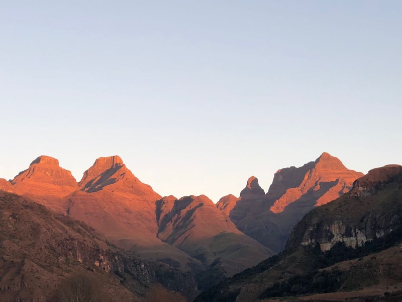 berg sunrise at cathedral peak hotel